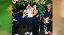 Alba Parietti compie 60 anni: canta con suo figlio Albachiara