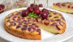 Torta cremosa alle ciliegie: la ricetta del dessert bello e goloso