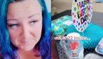 Il cuore spezzato di una madre: nessuno si è presentato alla festa di compleanno di suo figlio