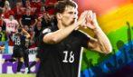 """Goretzka, il gol contro l'omofobia e il """"cuore"""" che zittisce i tifosi ungheresi"""