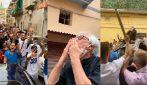 Nino D'Angelo, sfilata in auto: acclamato dalla folla nella sua San Pietro a Patierno