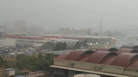 Un forte temporale si è abbattuto sulla città di Milano: le immagini