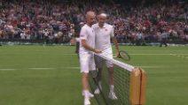 Federer avanza, Mannarino si ritira al 5° set: highlights