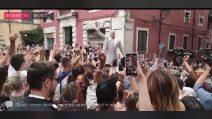 """""""I campioni dell'Italia siamo noi"""", Federico Bernardeschi fresco sposo e i cori dopo il matrimonio"""