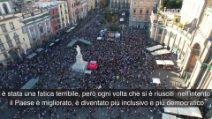 Gay Pride 2021 a Napoli: Alessandro Zan, Paola Turci, Arisa, Franco Ricciardi e molti altri.