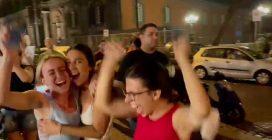 Napoli, l'Italia vince gli Europei: il momento della vittoria ai rigori