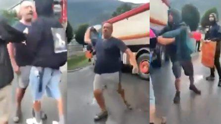 """Val di Susa, scontro tra camionista e attivisti No Tav: """"Siete voi il problema, sono in piedi dalle 4"""""""