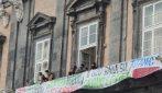 G20 Napoli, blitz degli attivisti ambientalisti a Palazzo Reale