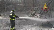 Incendi in Sardegna, le operazioni di spegnimento e bonifica