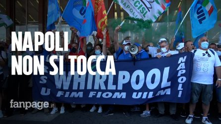 """Operai Whirlpool manifestano a Roma: """"Basta con l'arroganza delle multinazionali, vogliamo lavorare"""""""