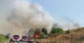 Incendio al viadotto Gronchi e al Parco delle Sabine: l'intervento dei vigili del fuoco
