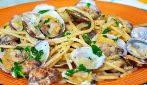 Spaghetti alle vongole: la ricetta per averli perfetti e saporiti