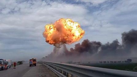 Foggia-Candela, il momento dell'esplosione dell'autocisterna