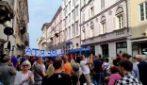 Manifestazione no green pass a Trieste: in migliaia in corteo contro certificazione verde e vaccino