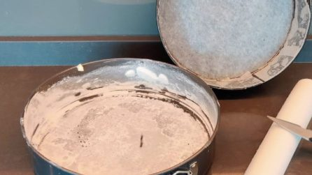 How to make a non stick baking pan