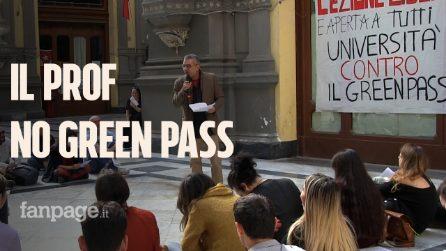 """Docente universitario contro il green pass fa lezione all'aperto: """"Draghi proconsole di poteri neo feudali"""""""